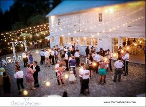 lauxmont-farms-wedding-cobblestone-courtyard-dancing